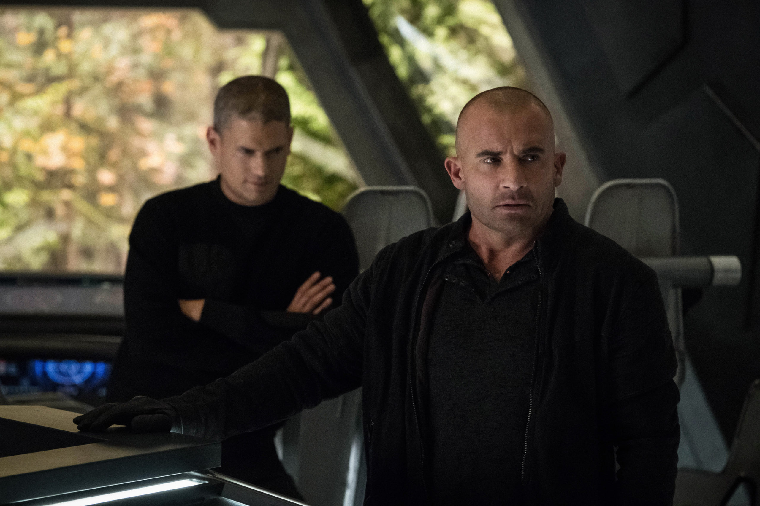 DC's Legends of Tomorrow - Wentworth Miller - Dominic Purcell